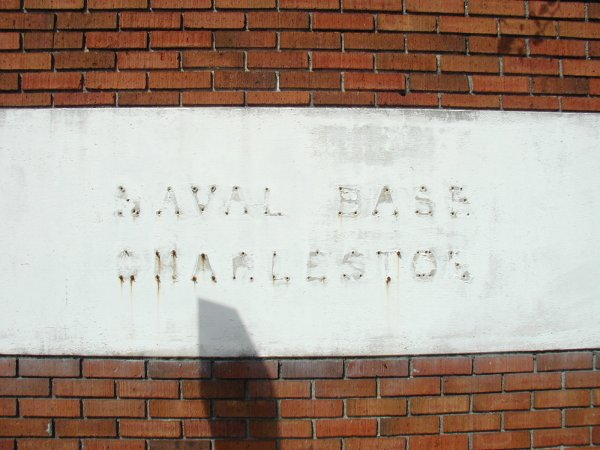 naval-base-sign2